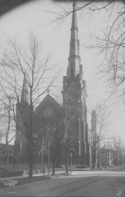 First Cumberland Presbyterian Church, now the Scottish Rite, at the corner of Chestnut and 2nd circa 1910